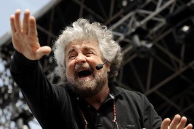 """Grillo (M5S): """"Anziché aiutare gli alluvionati di Genova, il governo preferisce finanziare il gioco d'azzardo"""""""