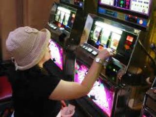 Bologna. Apre il bar della stazione, ma senza le slot machine