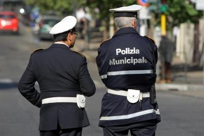 Legnano: la polizia locale sanziona una sala giochi per mancato rispetto dei limiti orari