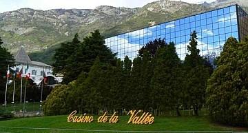 """Val D'Aosta. Perron nega nuovi interventi finanziari sul casinò; Ferrero (M5S):""""Prepariamoci al licenziamento dei lavoratori"""""""