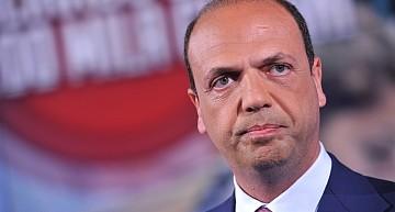 """Maxi operazione gioco online. Min. Alfano: """"Colpo durissimo alle infiltrazioni della 'ndrangheta nel gioco online"""""""
