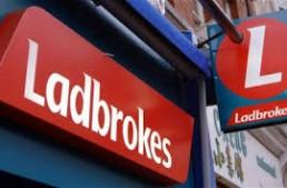 Ladbrokes Coral Group pagherà 5,9 milioni £ per gli errori in materia di antiriciclaggio e social responsibility