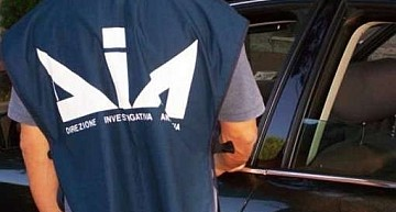 Reggio Calabria. Maxioperazione dei Carabinieri contro cosca mafiosa con interessi anche nel gioco d'azzardo