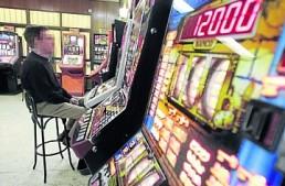 Pamplona: per favorire l'attività di bar e sale bingo in alta stagione, orari estesi fino alle 6,00 del mattino