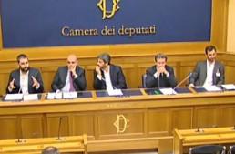 """Conferenza Unificata. I Parlamentari del M5S: """"Un blitz d'agosto del governo, una vergogna""""."""