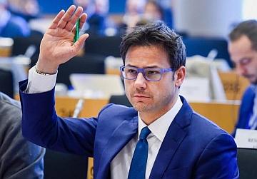 Parlamento Europeo. Interrogazione di Ciocca (LN) sulle presunte violazioni nel rinnovo di IGT Lottomatica