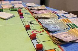 Pavia: i fondi regionali contro la ludopatia per finanziare il gioco del Monopoli locale