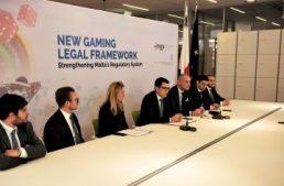 Malta. Il segretario delle finanze Schembri presenta il nuovo pdl sul gioco