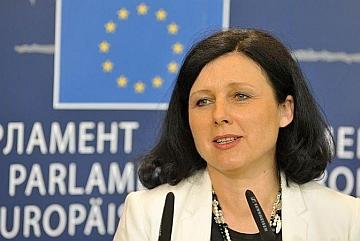 """Jourová (Ue): """"La Commissione sta valutando l'impatto delle loot boxes sul giocatore"""""""