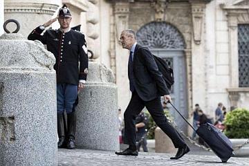 Niente Governo M5s-Lega, incarico a Cottarelli. Per i giochi, ancora attese