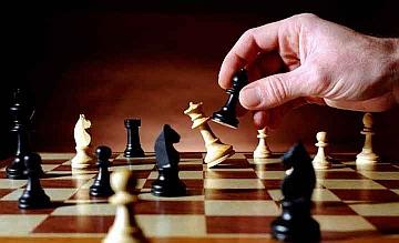 Livorno: dama e scacchi al posto di gioco d'azzardo