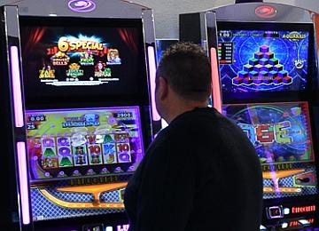 Caulonia: il Consiglio approva mozione contro il gioco d'azzardo