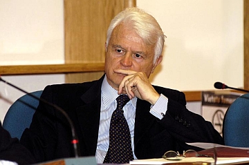 """Caselli (ex Procuratore Rep. Torino): """"Sanzioni risibili a fronte dell'offerta di giochi d'azzardo illegali"""""""