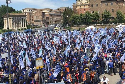 """Tabaccai a Di Maio: """"Il tabaccaio non è un salvadanaio"""""""