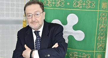 Milano. L'ass. regionale De Corato denuncia il gioco d'azzardo tra i clandestini