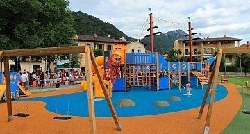 Lettonia: a Bruxelles le norme di sicurezza per parchi giochi e aree ricreative