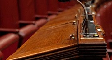 Decreto fiscale, al via voto di fiducia e approvati due odg sui giochi