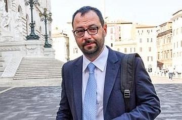 """Patuanelli: """"Intimidazioni al sindaco di Cattolica per il suo impegno contro il gioco d'azzardo"""""""