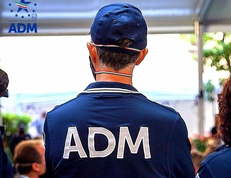 Napoli: ADM e Carabinieri scoprono esercizio abusivo di pubbliche scommesse  sportive da parte di due fratelli - PressGiochi